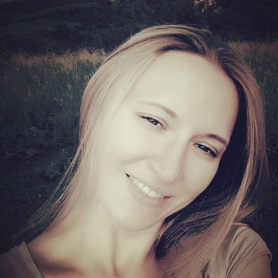 Коррекция бровей у Соколовской